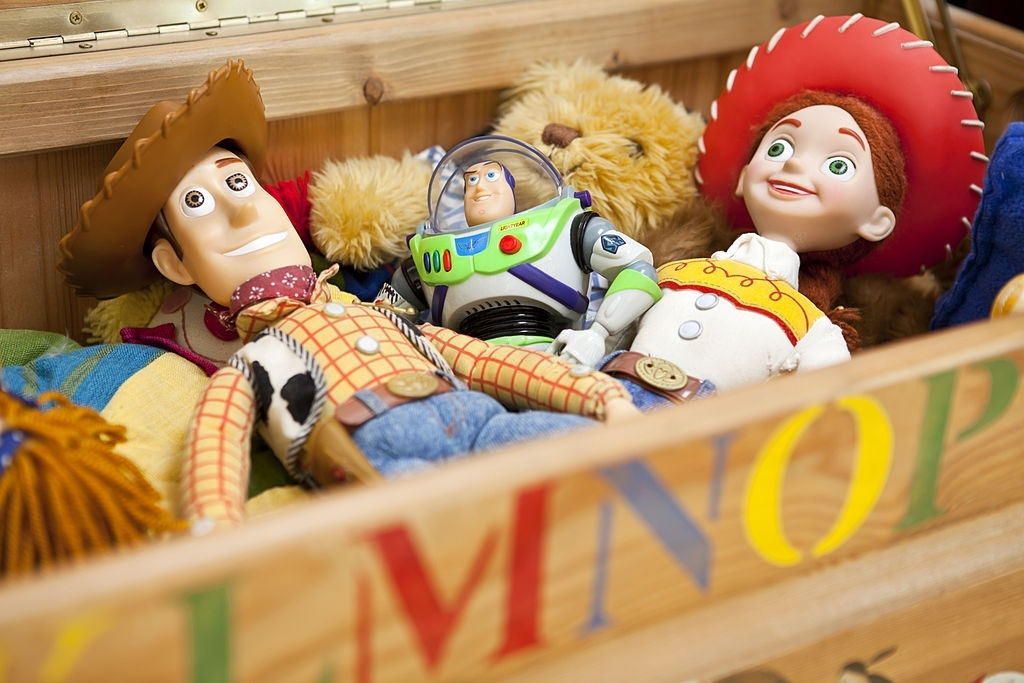 Time to Catch the Aliens in the Claw Machine Toy Story