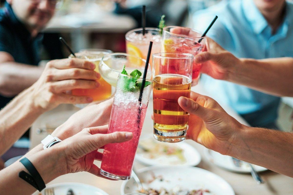 4 Trends in Food and Beverage Service and Opportunities